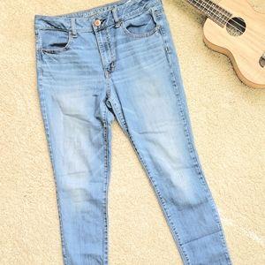 American eagle high rise light wash skinny jeans